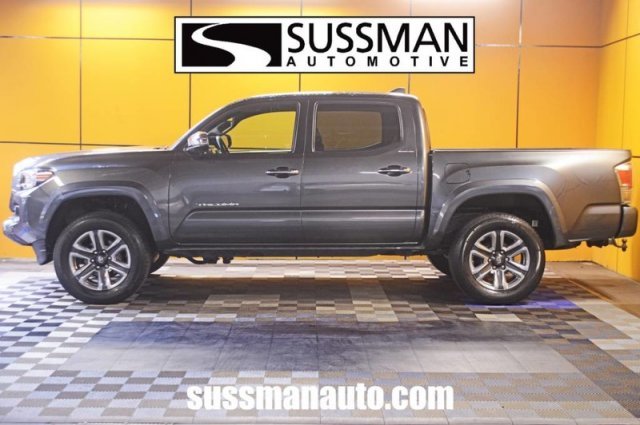 Pre-Owned 2017 Toyota Tacoma Limited